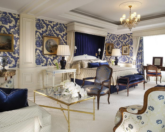 luxury four season hotel in paris