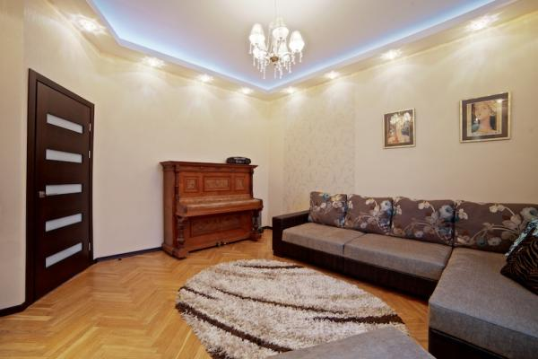 Nezavisimosti ave 12 apartment with 4 ROOM apartment for $240.00