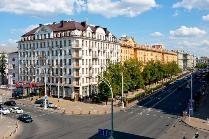 Minsk Royal suite flat with 3 ROOM apartment
