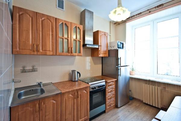 Superior apartment on the Victory square for rent