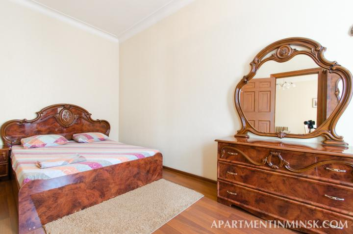 Nezavisimosti ave 18 apartment with 2 ROOM apartment for $85.00