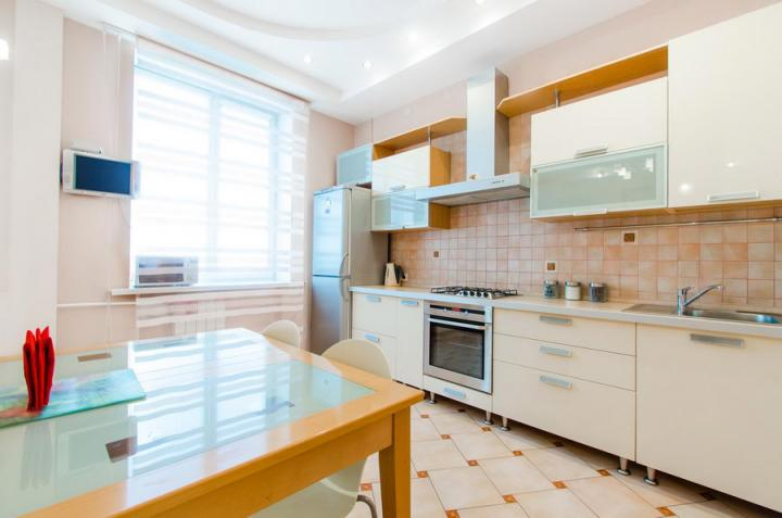 Rent a room in Minsk, 2 bedroom apartment on Lenina-Nezavisimosti corner