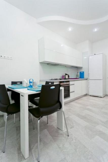 Nezavisimosti ave 18 apartment with 2 ROOM apartment for $110.00