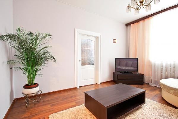 Kiseleva str 3 apartment with 3 ROOM apartment for $120.00