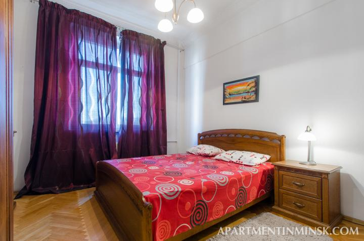 Nezavisimosti ave 29 apartment with 3 ROOM apartment for $100.00