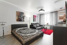 Budget apartment on Nezavisimosti avenue